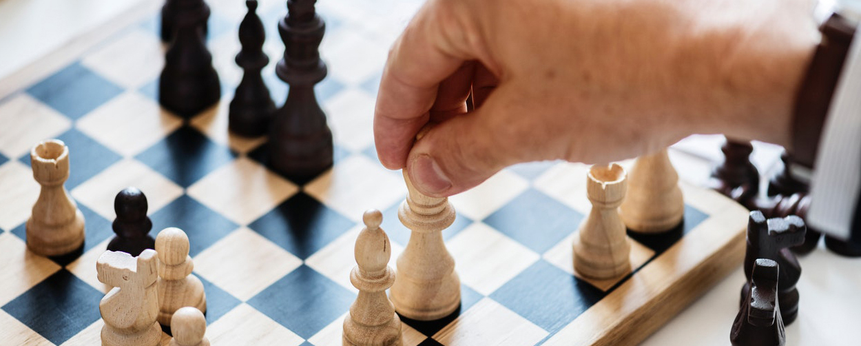 black-and-white-board-game-chess-938961 副本.jpg
