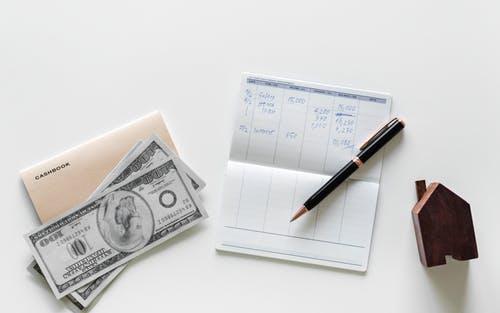 国内买的保险,国外赔不赔?